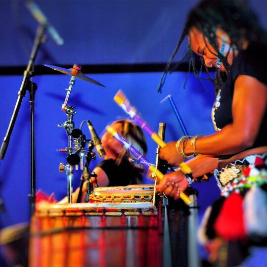 https://drumcafenorthamerica.com/wp-content/uploads/2018/11/drum-cafe-west-coast-gallery-06-540x540.jpg